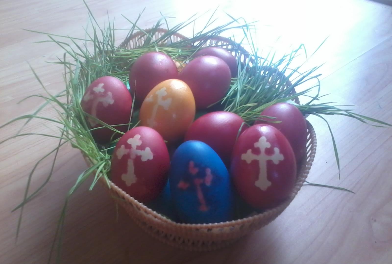 Cum faci decoratiuni deosebite pentru ouale de Pasti